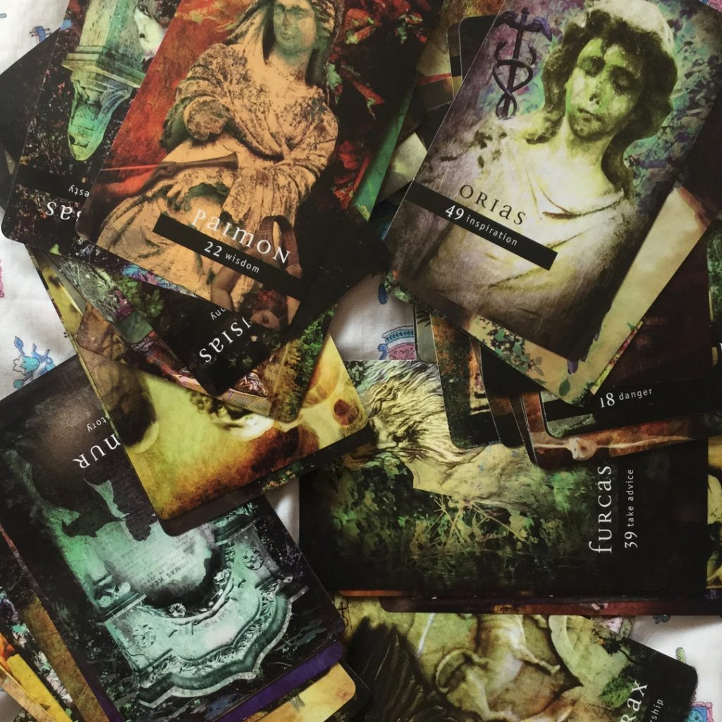 Favorite Oracle Decks 2019